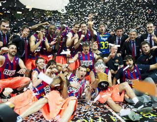 Barça Regal celebrate winning the league in 2011