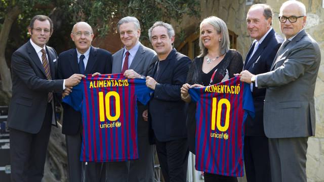 Representants del FC Barcelona, la Fundació SHE i la Fundació Alícia durant la presentació del projecte