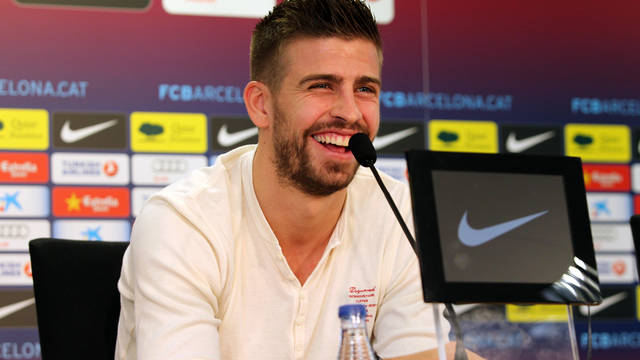 Gerard Piqué in the press room / PHOTO: ARXIU FCB