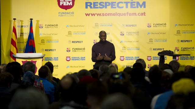 Lilian Thuram, en la xerrada 'Som el que respectem'. FOTO: LEX CAPARRS-FCB.