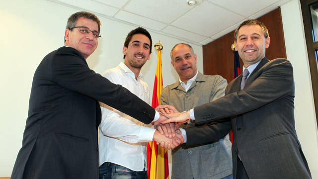 Jordi Mestre, Oier Olazbal, Andoni Zubizarreta and Josep Maria Bartomeu / PHOTO: MIGUEL RUIZ-FCB