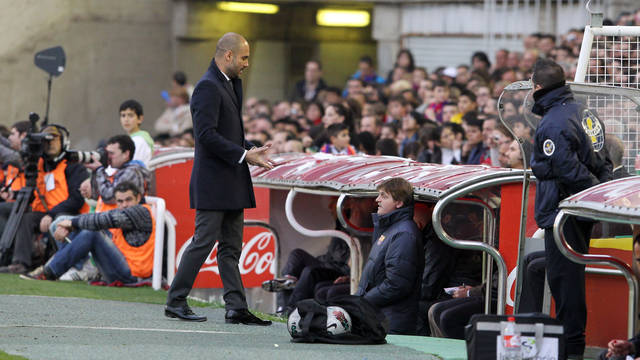 Guardiola during the match at El Sardinero / PHOTO: MIGUEL RUIZ - FCB