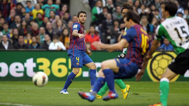 Cesc Fàbregas està content amb el partit contra el Racing / FOTO: Miguel Ruiz - FCB