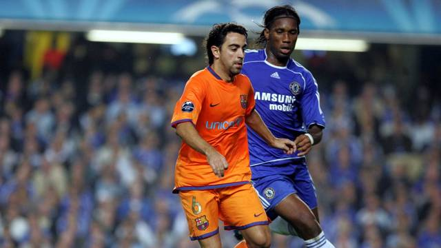 Xavi during the match at Stamford Bridge on October 18th, 2006 / PHOTO: ARXIU FCB