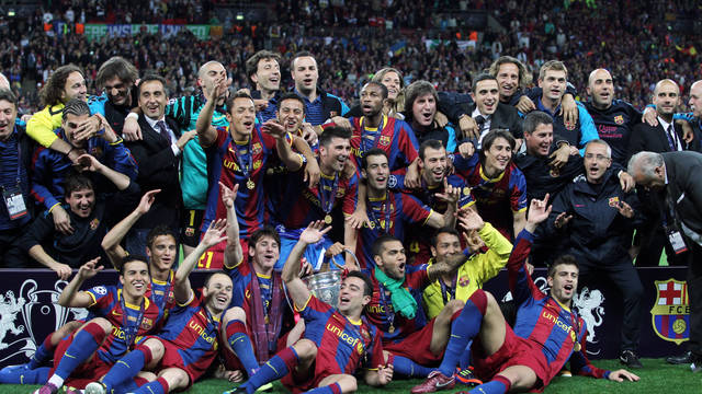 The team celebrates the Champions League in Wembley / PHOTO: ARXIU FCB