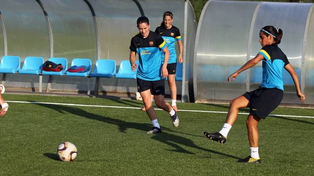 The FC Barcelona Women's A team during a training session last season