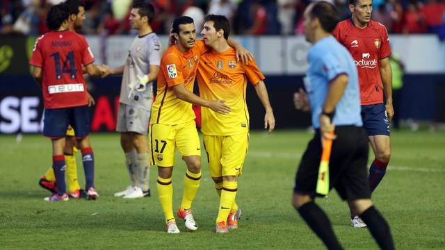 Pedro and Messi during the match agianst Osasuna / PHOTO: MIGUEL RUIZ - FCB