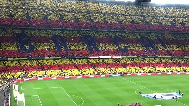 Mosaic amb el qual el públic ha rebut l'equip al Camp Nou