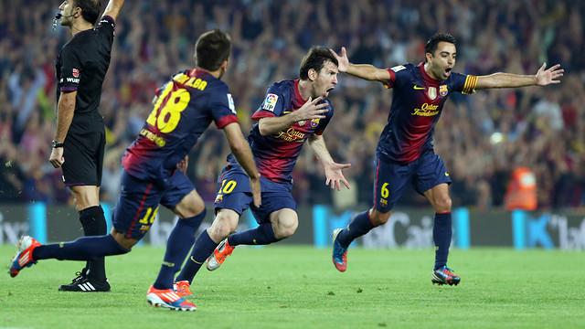 Messi, Alba i Xavi, celebrant el 2-1 provisional contra el Madrid. FOTO: MIGUEL RUIZ-FCB.