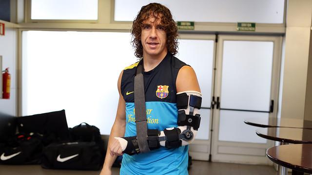 Puyol, sense guix al braç / FOTO: MIGUEL RUIZ-FCB