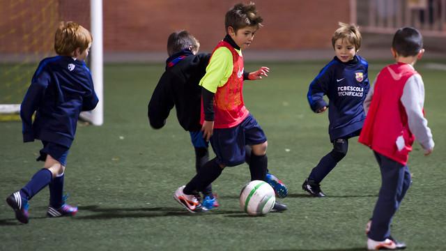 مدرسة نادي برشلونة FCBESCOLA 2012-10-29_ENTRENAMIENTO_FCBESCOLA_TECNIFICACIO_VILANOVA_DEL_VALLES_014.v1351871720