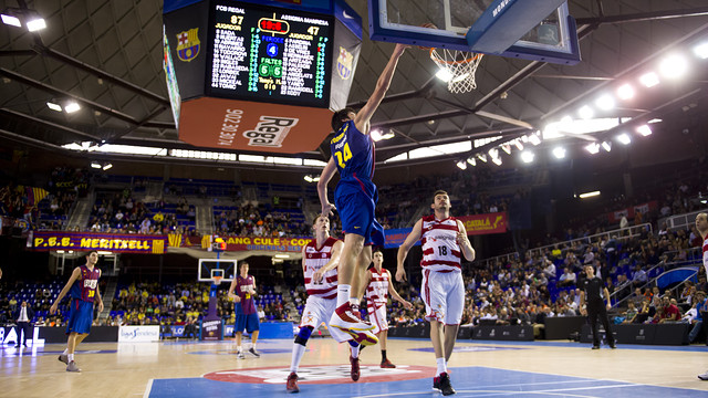 Todorovic scores against Assignia Manresa / PHOTO: ÀLEX CAPARRÓS - FCB