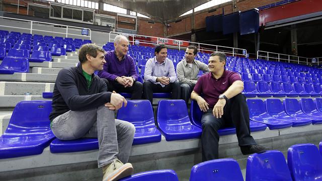 Els cinc entrenadors, al Palau. FOTO: MIGUEL RUIZ-FCB.