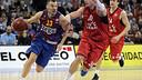 Jasikevicius supera Oleson en una jugada del partit. FOTO: EUROLEAGUE