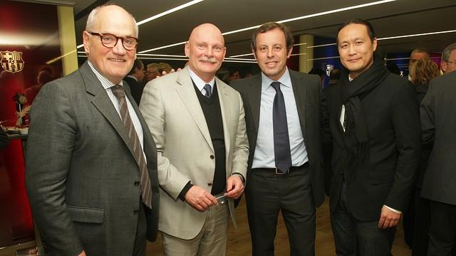 Carles Vilarrubí, John Hoffman, Sandro Rosell and Didac Lee / PHOTO: MARTA BECERRA - FCB