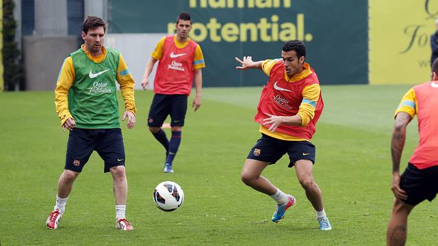 Messi y Pedro, durante el entrenamiento. FOTO: MIGUEL RUIZ - FCB