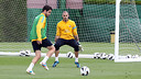 Valds y Cesc, durante el entrenamiento de este sbado / FOTO: MIGUEL RUIZ-FCB