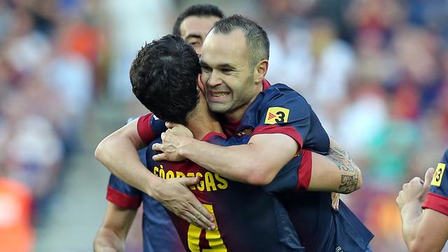 Cesc and Iniesta celebrate one of the four goals against Malaga / FOTO: MIGUEL RUIZ-FCB