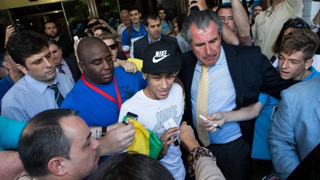 Neymar a l'Hospital de Barcelona