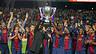 Vilanova y Abidal levantan la 22ª Liga