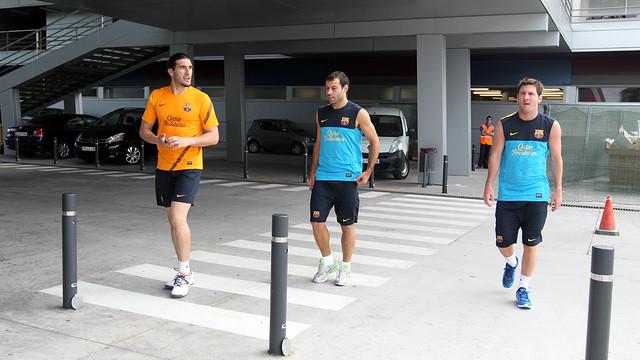 Pinto, Mascherano i Messi, fa un any, camí de la revisió mèdica / FOTO: MIGUEL RUIZ - FCB