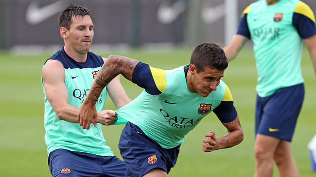 Messi and Tello, on friday. PHOTO: MIGUEL RUIZ-FCB.