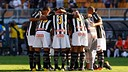 Els jugadors del Santos en el primer partit de la final del Paulistão 2011 / FOTO: Ricardo Saibun - Santos FC