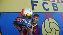Neymar with the Joan Gamper trophy. PHOTO: MIGUEL RUIZ-FCB.