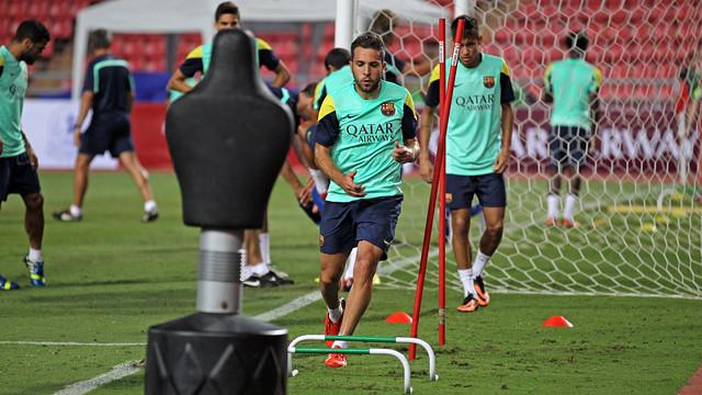 Jordi Alba, training this afternoon in Bangkok / PHOTO: MIGUEL RUIZ - FCB