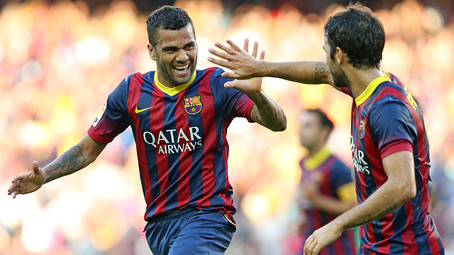 Dani Alves scored one of the first-half goals for Barça / PHOTO: MIGUEL RUIZ - FCB