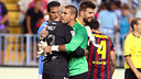 Valdés, who was key to the win, hugs Caballero after the game/ PHOTO: MIGUEL RUIZ-FCB