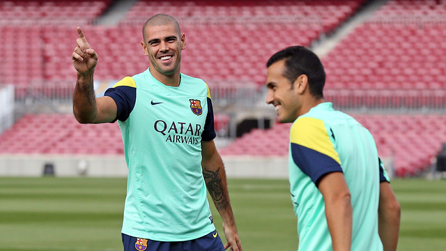 Valdés and Pedro in training in the Camp Nou / PHOTO: MIGUEL RUIZ - FCB