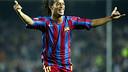 Ronaldinho celebrates scoring against Real Societad in the 2005/06 season/ PHOTO: ARXIU FCB