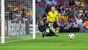 Valdés saving a penalty. PHOTO: GERMÁN PARGA - FCB