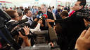 Zubizarreta speaking to the media before the flight. PHOTO: MIGUEL RUIZ-FCB.