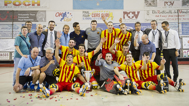 team photo of the supercup winners