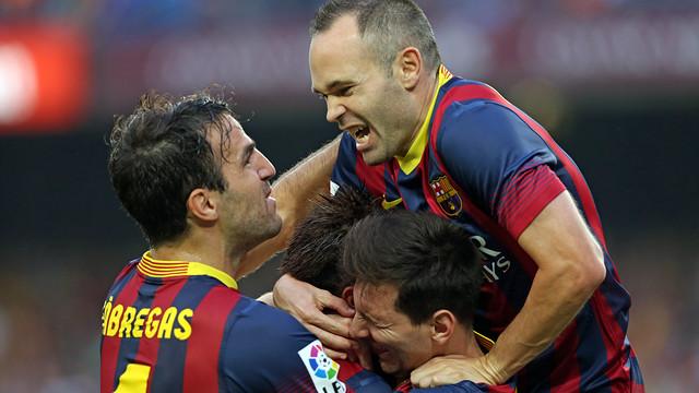 Iniesta, Cesc and Messi hug Neymar / PHOTO: MIGUEL RUIZ - FCB