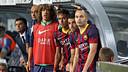 Puyol, Neymar, Cesc i Iniesta, a la banqueta esperant que l'àrbitre xiulés el final del Barça-Madrid / FOTO: MIGUEL RUIZ - FCB