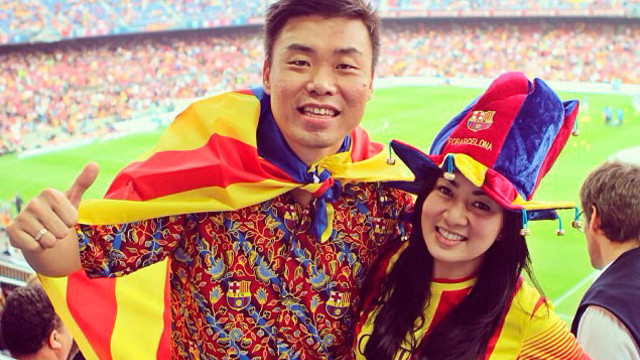two asian Fans at the Clásico