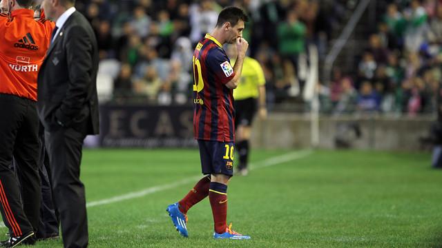 Messi, deixant el camp del Betis. FOTO: MIGUEL RUIZ-FCB.