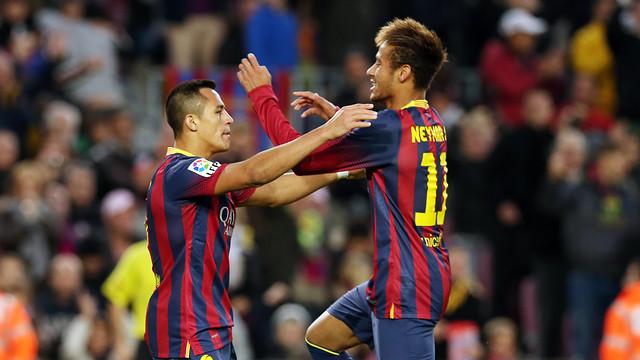Alexis Sánchez i Neymar Jr celebren el tercer gol del Barça contra el Granada / FOTO: MIGUEL RUIZ-FCB