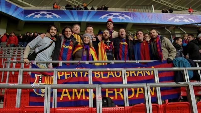 Members of the Penya Blaugrana d'Amsterdam. PHOTO: Rubén Saavedra