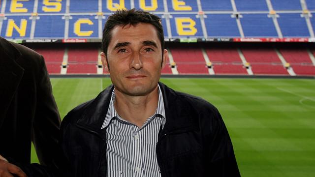 Valverde pictured with former Barça manager Frank Rijkaard