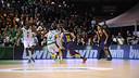 Navarro s'escapa de la defensa del Nanterre / FOTO: Hervé Bellenguer