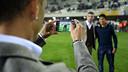 Neymar and a Cartagena player having their photo taken together / PHOTO: MIGUEL RUIZ – FCBFCB