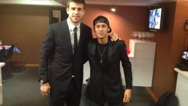 Piqué, amb Neymar / FOTO: @3gerardpique