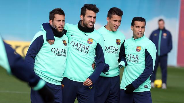 Jordi Alba, Cesc Fàbregas, Tello and Pedro pose for the camera during training