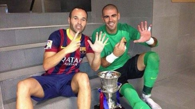 Iniesta and Valdés after winning the Spanish Supercup