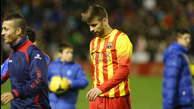 Goal scorer Piqué, leaves the Ciutat de València in disappointment / PHOTO: MIGUEL RUIZ-FCB