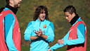 Puyol and Afellay in training. PHOTO: MIGUEL RUIZ-FCB.